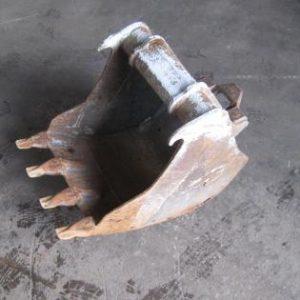 Käytetty kauha 44 cm pi4